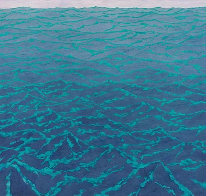 Alto sale 2: l'opera di Carlo Battaglia rappresenta delle onde marine di colore blu, che sfumano dal basso verso l'orizzonte da scuro a più chiaro.
